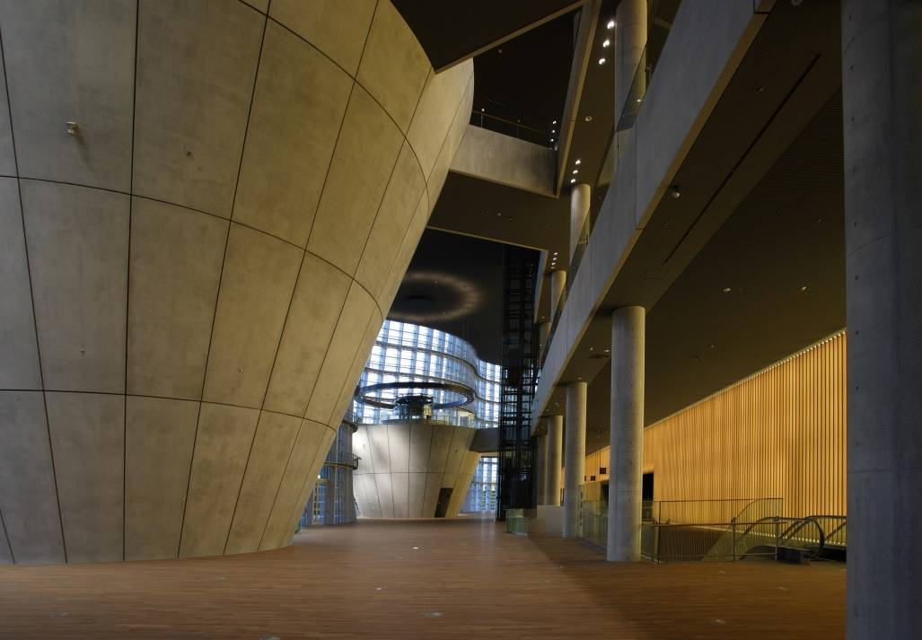 国立新美術館エントランス