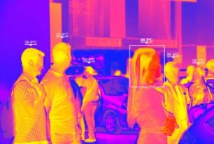 体温測定サーマルカメラの表示例