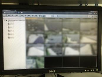 監視カメラのモニター画面